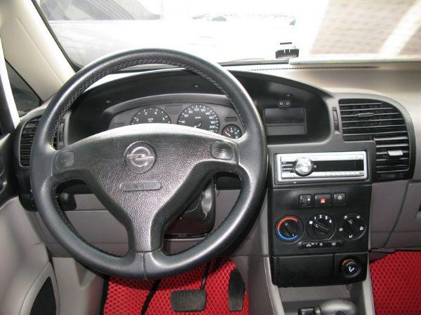 運通汽車-2002年-Opel-那菲拉 照片2