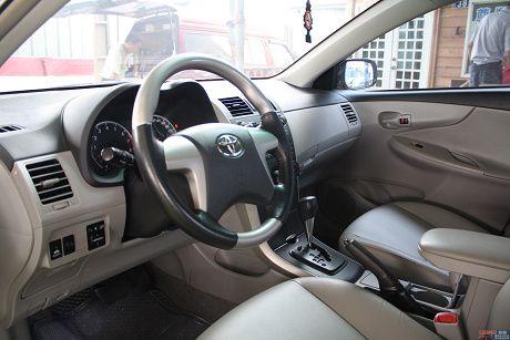 Toyota豐田 Altis 照片10