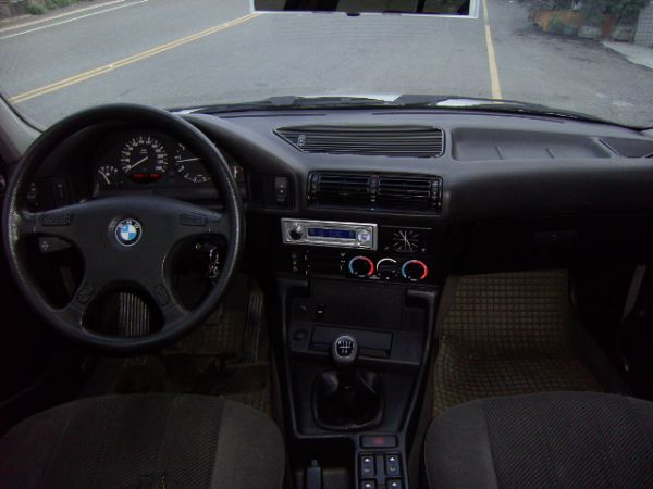 93年 BMW520I 保證原廠手排,驗 照片5