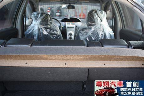 Toyota豐田 Yaris 照片6