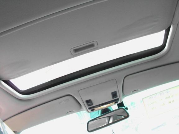 2005  BMW 330CI 3.0銀 照片4