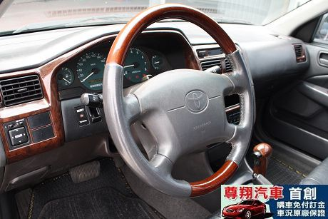 Toyota豐田 Premio 照片6