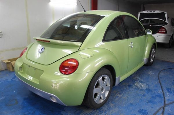 01福斯  Beetle 2.0綠 照片6