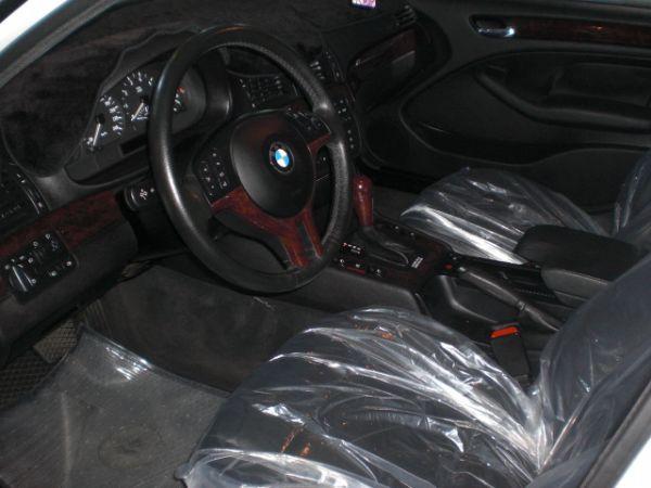 2003 BMW 318 2.0白  照片3