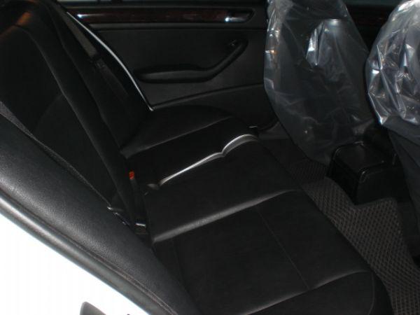 2003 BMW 318 2.0白  照片6