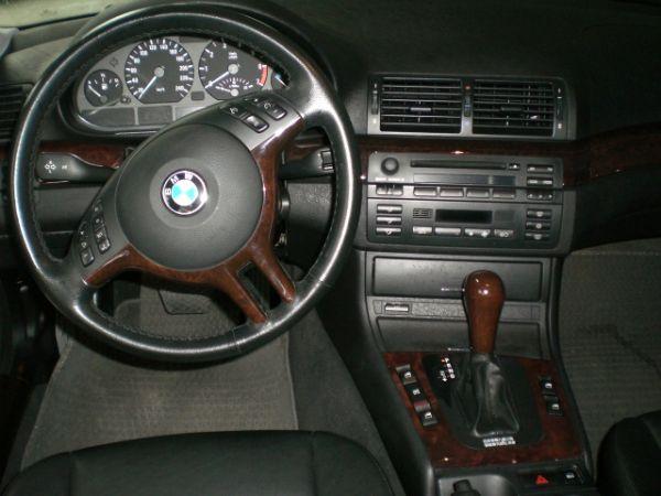 BMW 寶馬 318i 照片4