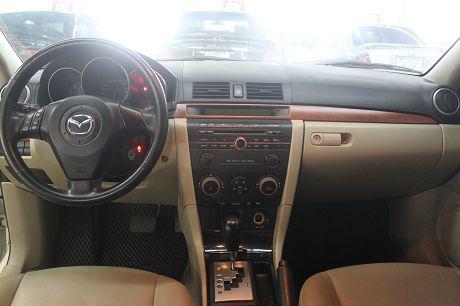 Mazda 馬自達 3 2.0 照片3