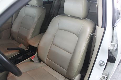 Mazda 馬自達 3 2.0 照片5