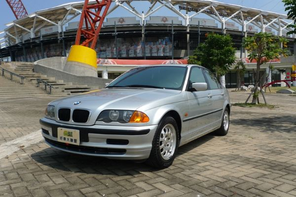 99 BMW 318 E46型 照片1