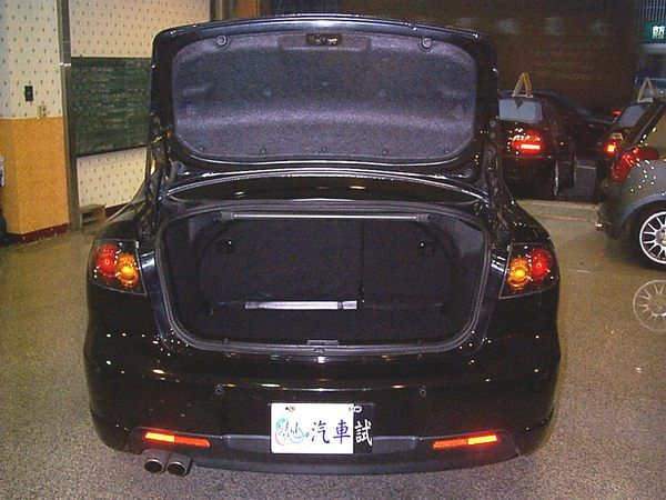 06年 Mazda/馬自達 3 照片4