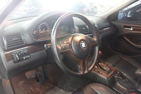 03~BMW 寶馬 3系列 318 照片3