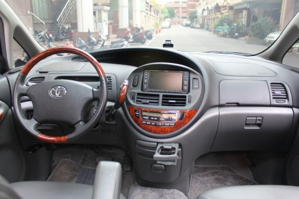 Toyota豐田 Previa  照片2