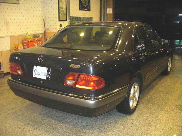 97年 Benz/朋馳 E230 2.3 照片3