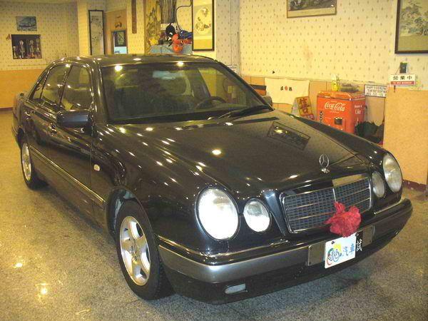 97年 Benz/朋馳 E230 2.3 照片7