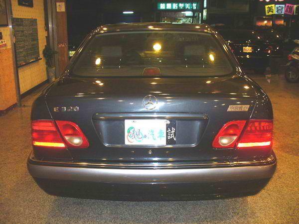 97年 Benz/朋馳 E230 2.3 照片9