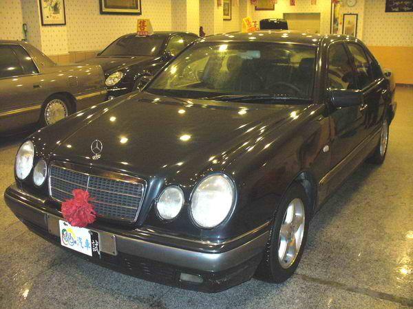 97年 Benz/朋馳 E230 2.3 照片10