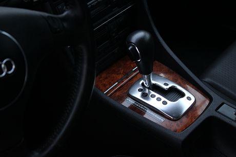04~Audi 奧迪 A4 1.8T 照片7