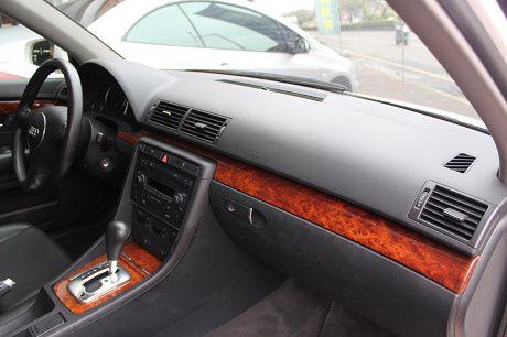 Audi 奧迪 A4 1.8T  照片4