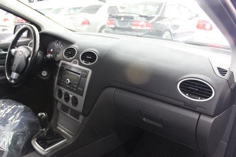 Ford 福特 Focus  照片4