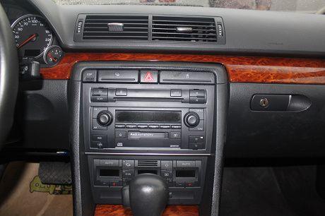 Audi 奧迪A4 1.8T 照片6