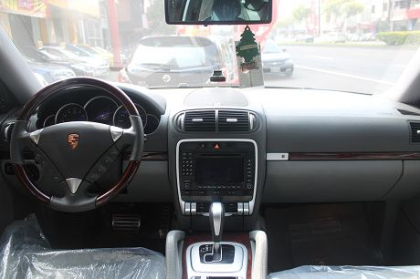 Porsche 保時捷 Cayenne  照片2