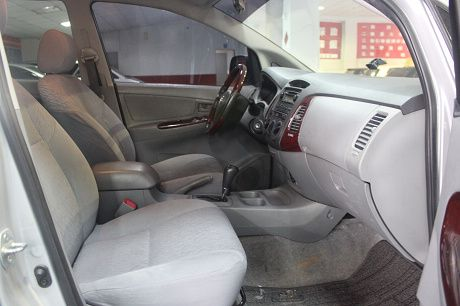 Toyota豐田 Innova  照片4