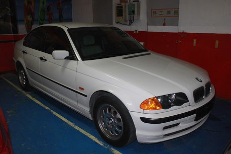 BMW 寶馬 3系列 318 照片1
