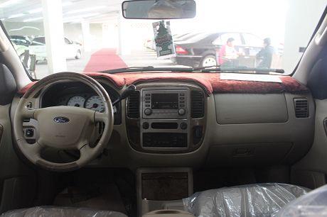 Ford 福特Escape中古車.二手車 照片2