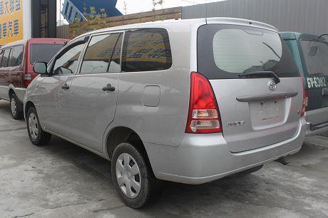 2009年Toyota豐田 Innova 照片9