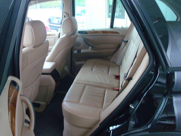 BMW X5 04年3.0黑 照片5