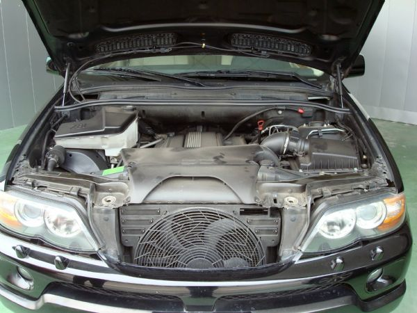 BMW X5 04年3.0黑 照片6