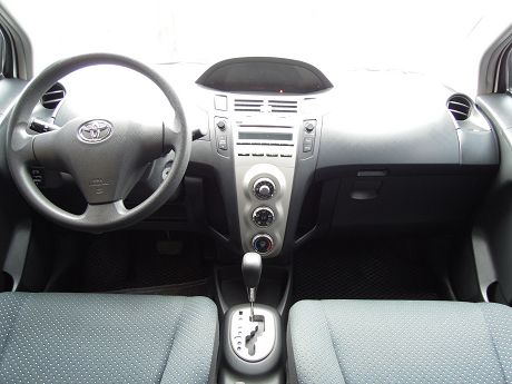 2010 Toyota豐田 Yaris 照片2