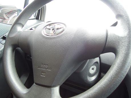 2010 Toyota豐田 Yaris 照片3