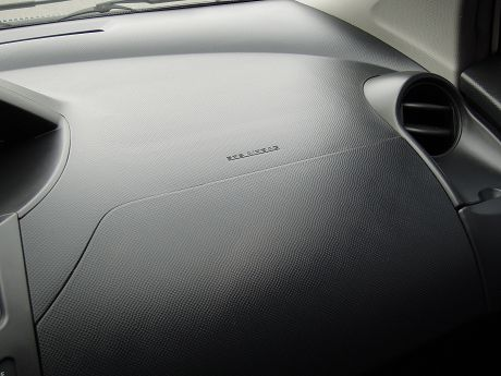 2010 Toyota豐田 Yaris 照片6