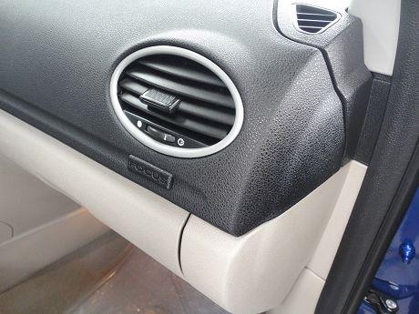 Ford 福特 Focus 1.8  照片5