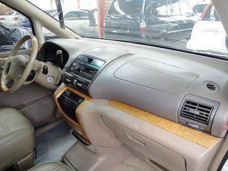 Nissan 日產 Serena QRV 照片5