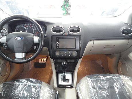 Ford 福特 Focus 1.8 照片2