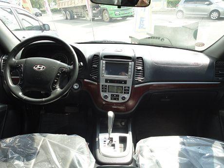 Hyundai 現代 Santa FE 照片2