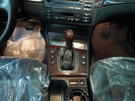 2004 BMW 寶馬 3系列 318 照片5