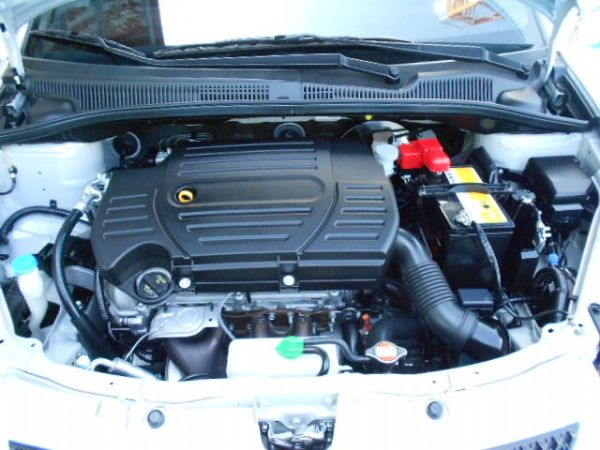 SX4頂級 實車實圖 照片5