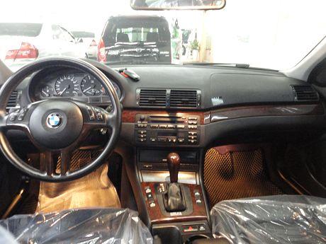 BMW 寶馬 3系列 318 照片2