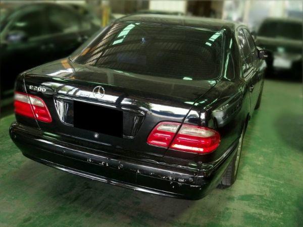 【BENZ賓士 2000年 E200K】 照片3