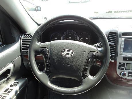 Hyundai 現代 Santa FE 照片4