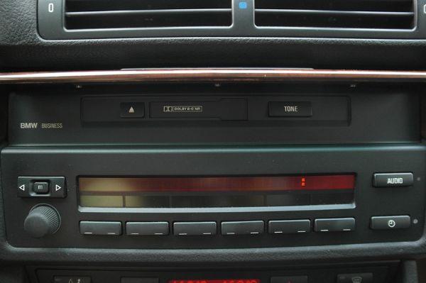 ★小瑋嚴選☆2000 BMW 525i 照片4