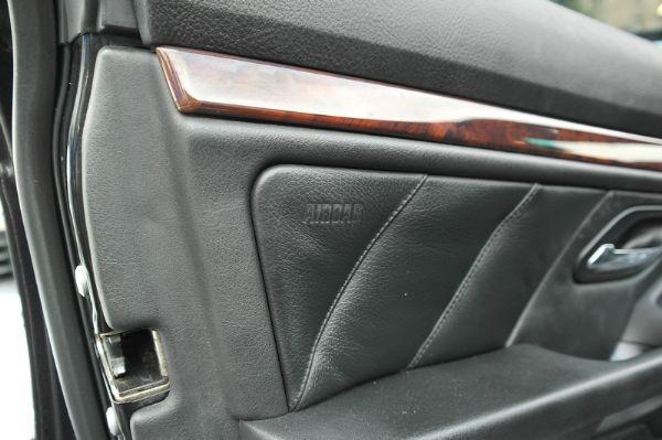 ★小瑋嚴選☆2000 BMW 525i 照片7