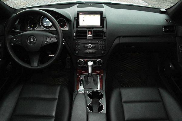 ★小瑋嚴選☆08 Benz C300 白 照片3