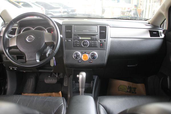 Nissan Tiida 1.8 黑 照片3