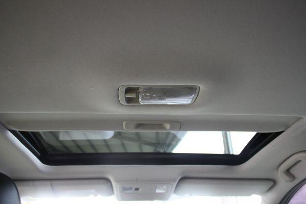 Nissan Tiida 1.8 黑 照片6