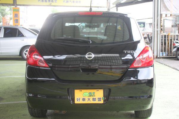 Nissan Tiida 1.8 黑 照片8