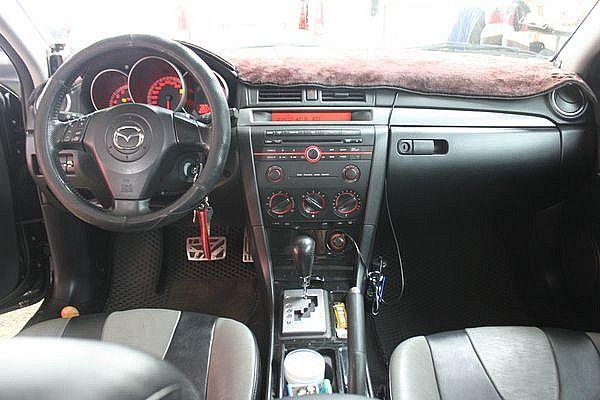 Mazda 馬自達 M3 2.0s 4D 照片3